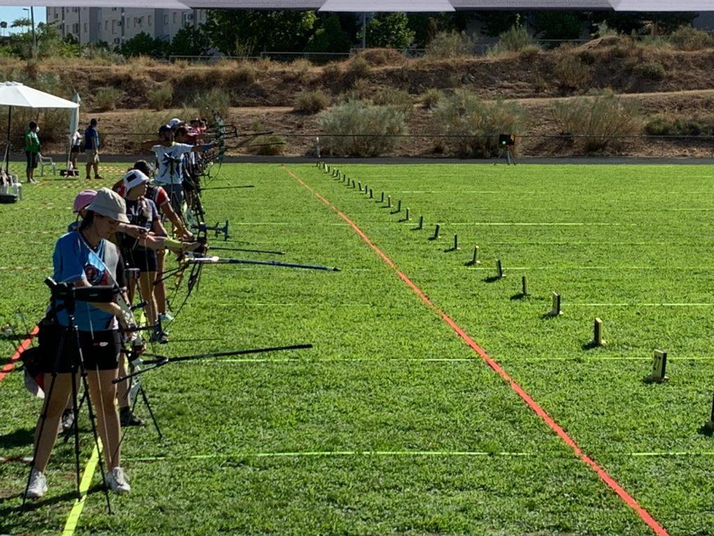 Participantes en la prueba de tiro con arco